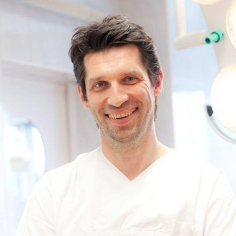 Dr med. Dario Lizatović