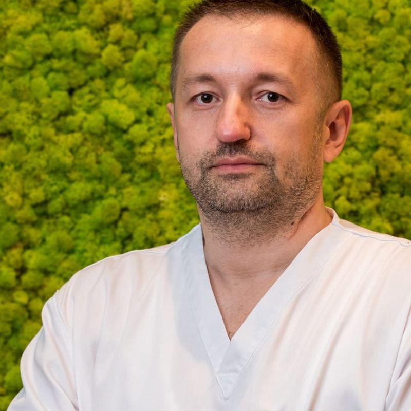 Dr Bojan Ćulibrk