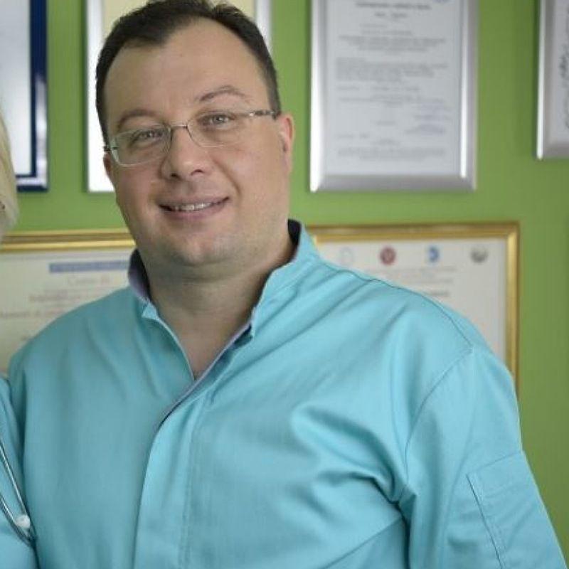 Dr Bojan Pejaković