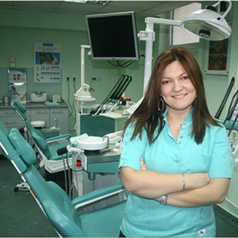 Dr stomatologije Svjetlana Ljubojev Kraljik